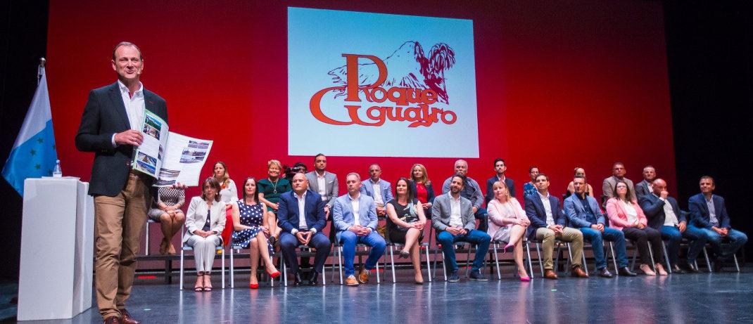 Anoche se presentó al equipo de mujeres y hombres que forman la candidatura de Roque Aguayro