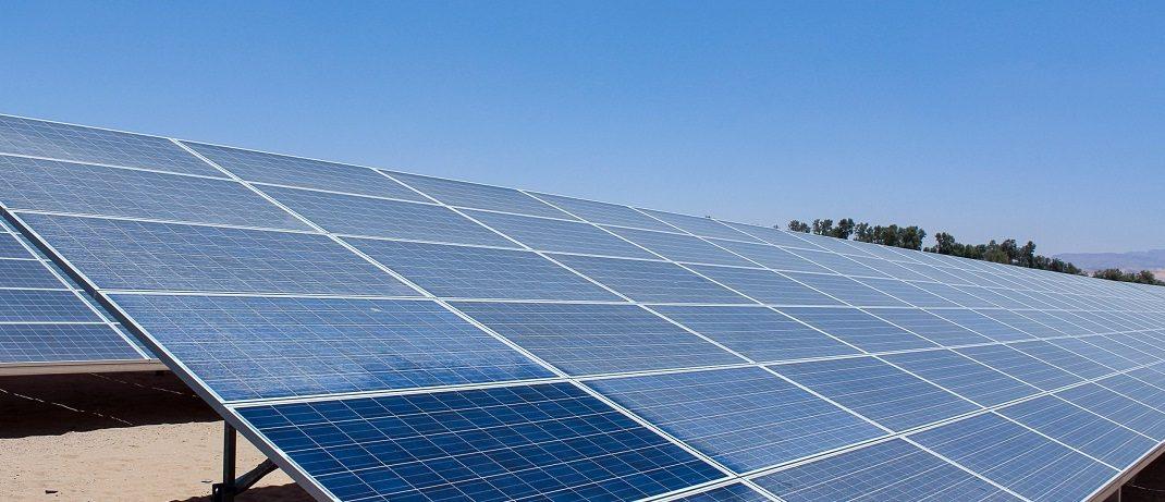 Siga, en streaming, la charla sobre subvenciones para placas solares